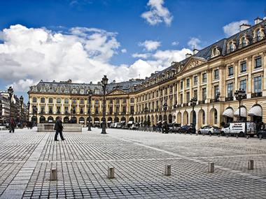 Place Vendome (Paris, 2004)