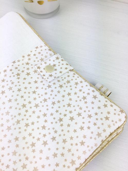 Protège-carnet de santé Maman Poulpe Création blanc à imprimé étoiles dorées