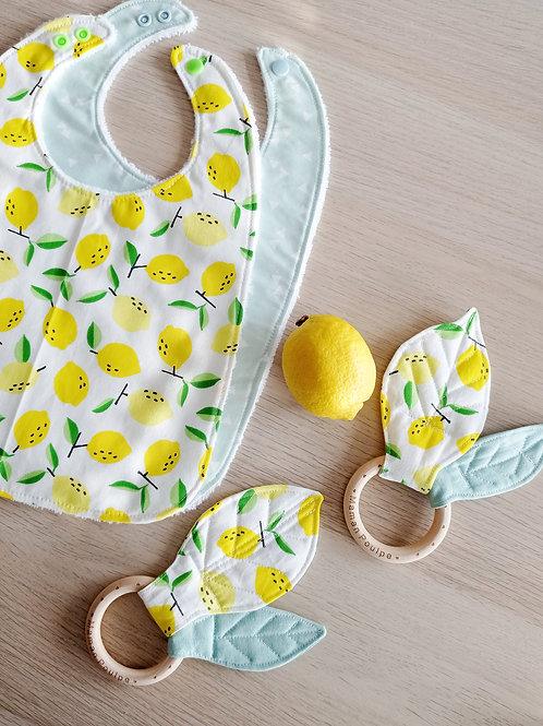 Bavoir bébé et enfant 0-3 ans à imprimé citrons; tons jaune blanc et vert