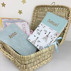 Protège carnet de santé bébé personnalisé , faits main en France par la créatrice Maman Poulpe