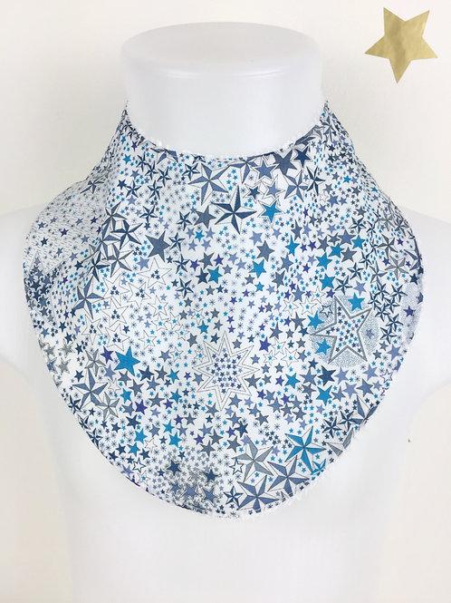 Bavoir bébé en tissu liberty bleu Adeladja motif étoiles Maman Poulpe Création