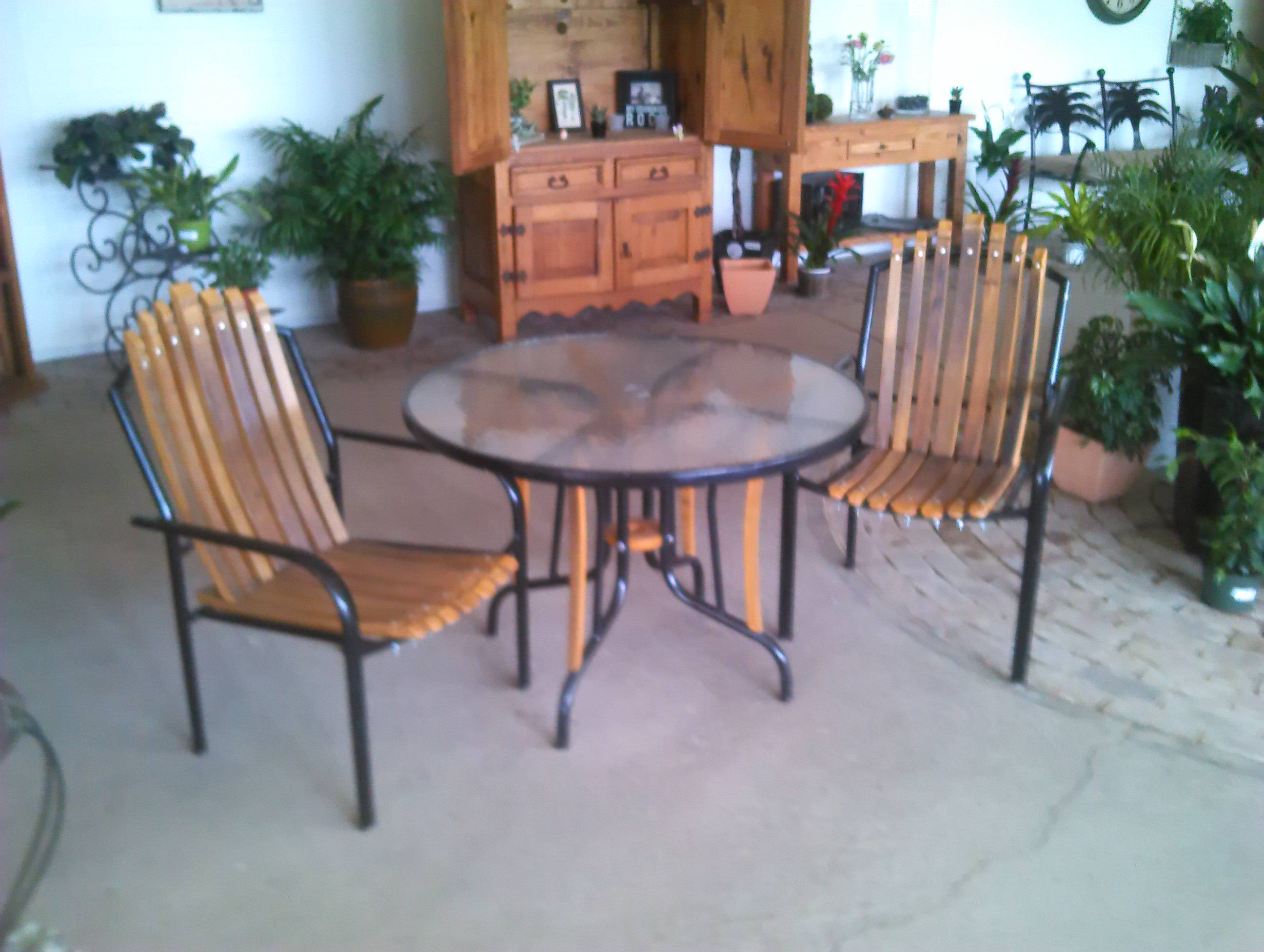 2patiochairs n table display.jpg