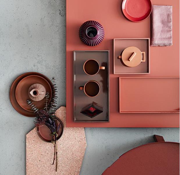 uklidňující kompozice keramiky v zapudorvaných odstínech