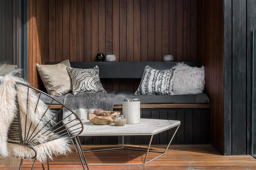 Dřevo, kámen, vlna - nádherná kombinace barev a materiálů