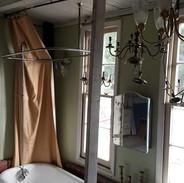tub with shower rack.jpg