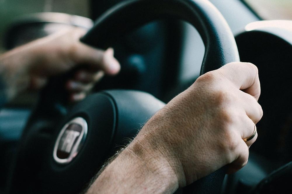 Mãos no volante