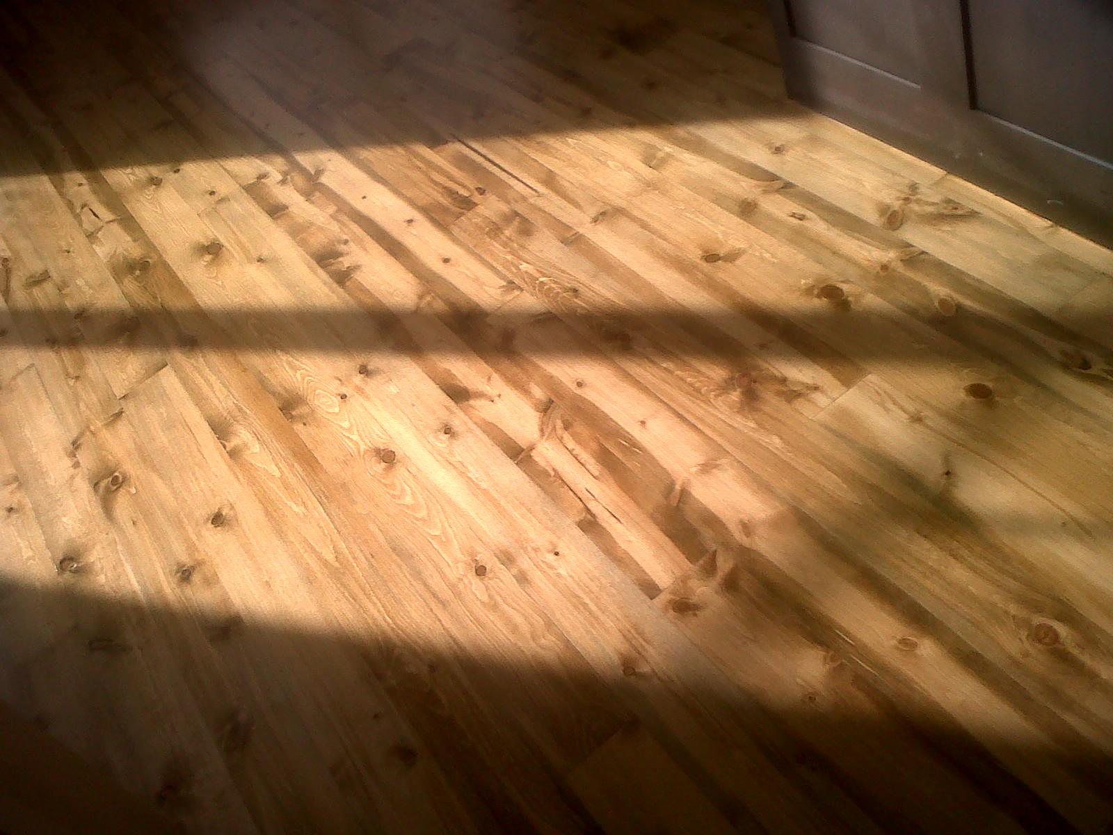 Beetle Kill Pine Floor 1.jpg