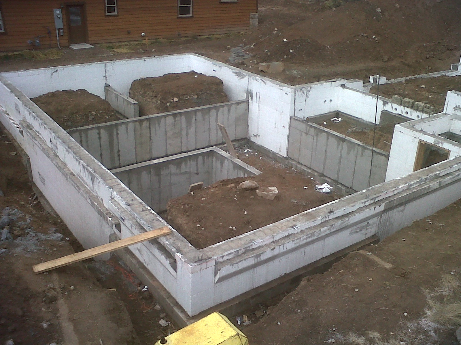 Foundation Wall Pour 8.jpg