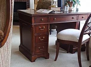 oval-inlay-desk