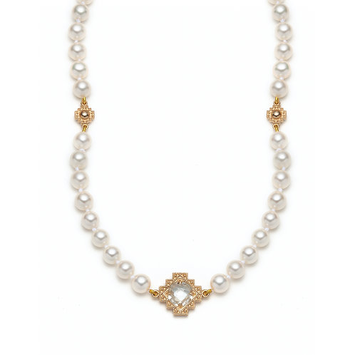 White Topaz Motif Pearl Necklace in Yellow Gold