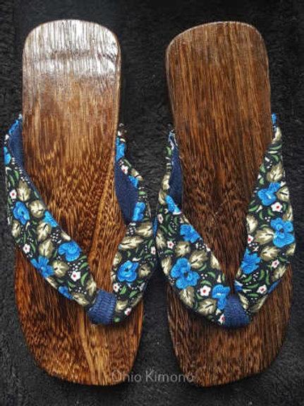 blue wooden geta