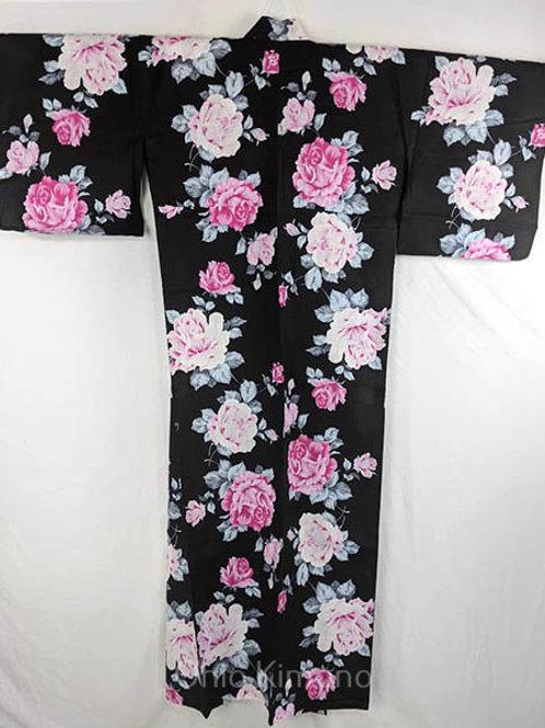 yukata with pink roses