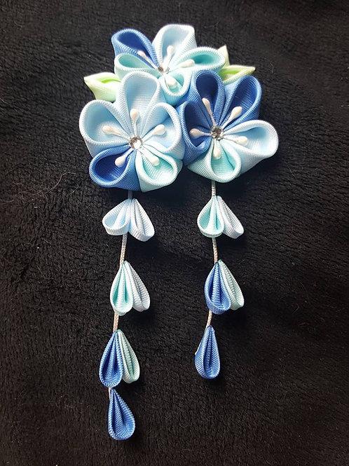 blue kanzashi
