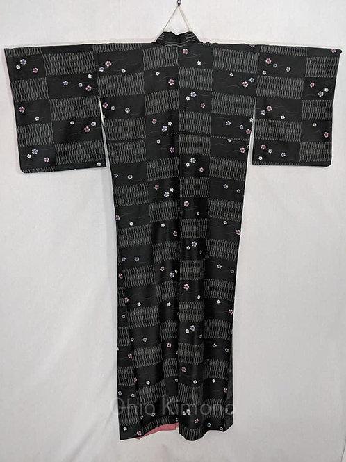 black and white japanese kimono for women