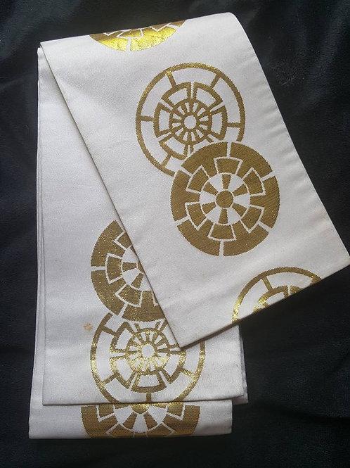 White & Gold Hanhaba Obi