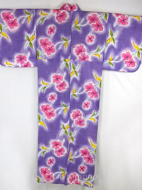 yukata with pink flowers