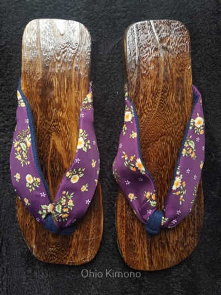 purple wooden geta for yukata