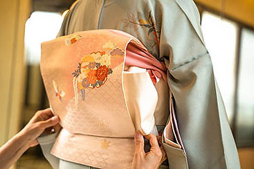 Kimono Obi Wearing