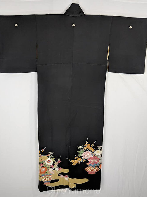 black tomesode kimono