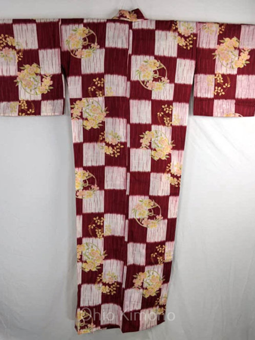 yukata with checkers and carnation flowers