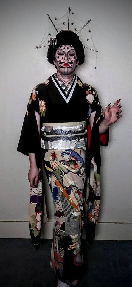 Spider Queen Kitsuke Japanese Kimono