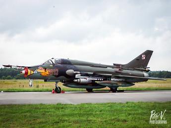SU-22 3713.jpg