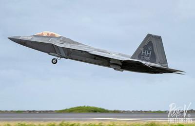 17_F-22A_03-4055_HH_199FS_Takeoff.jpeg
