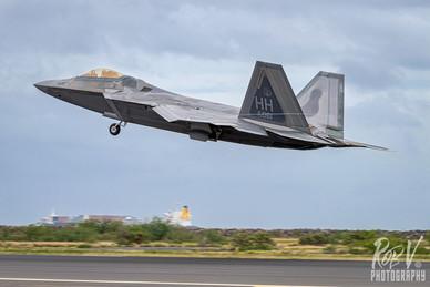 20_F-22A_03-4061_HH_199FS_Takeoff.jpg
