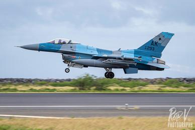 51_F-16C_86-0293_AK_18AGRS_Takeoff.jpg