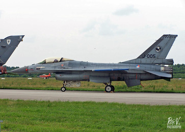 F-16A_J-005.jpg
