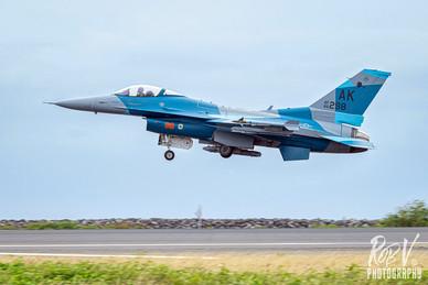 27_F-16C_86-0298_AK_18AGRS_Takeoff.jpg