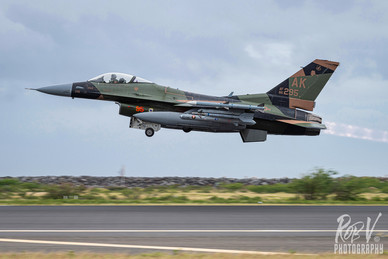 25_F-16C_86-0295_AK_18AGRS_Takeoff.jpg