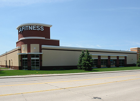 Arizona REIT buys Edina LA Fitness club