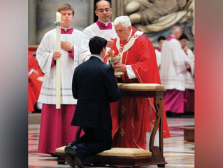 Pope Emeritus Benedict XVI: Casual attitude to reception of Holy Communion central to moral crisis i