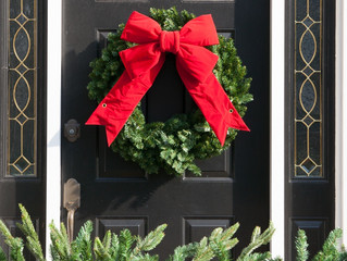 Christmas Wreath: Gift of Eternal Life and the Sacred Blood Shed for It