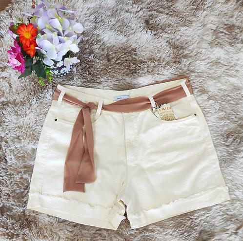 Shorts jeans lemier com cinto tecido