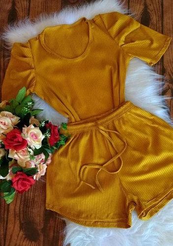 Conjunto canelado shorts + blusa