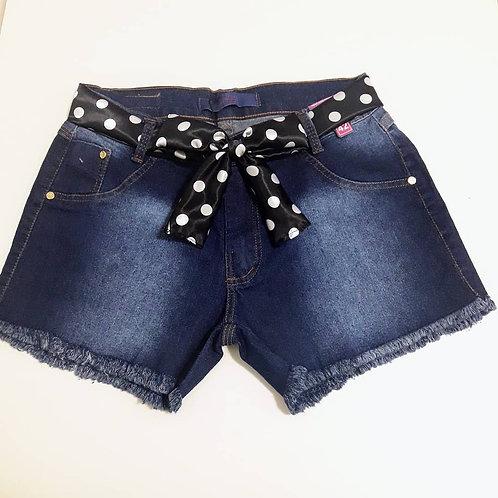 Shorts jeans com cinto de tecido