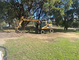 Excavator Pic 2.jpg