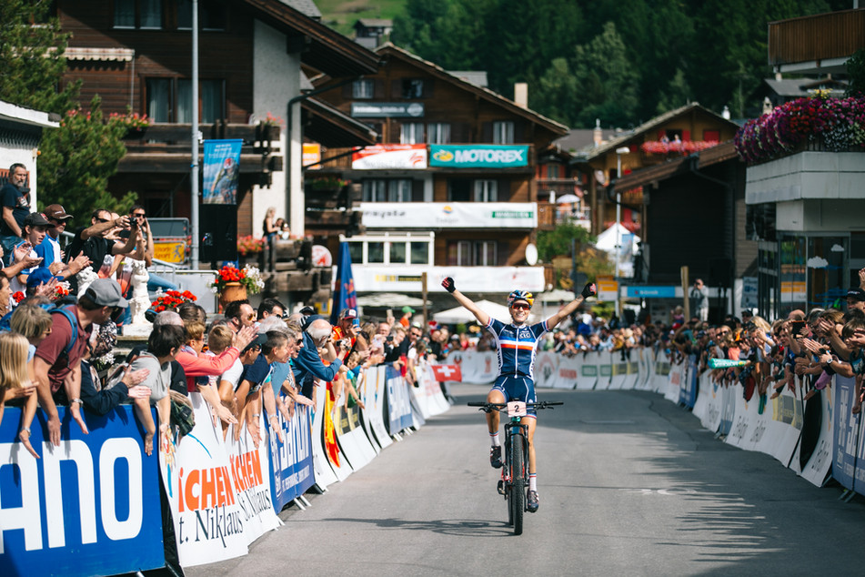 Pauline Ferrand Prevot winning the MTB Marathon World Champs in Switzerland