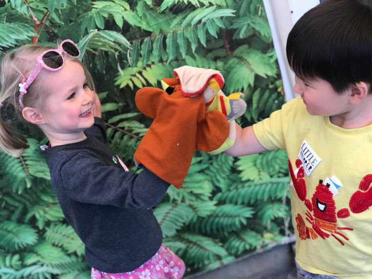 learning letters and sounds in the garden with the help of favoruite puppets