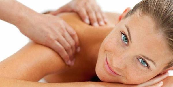 shoulder-massage-spa-on-the-plaza-monter