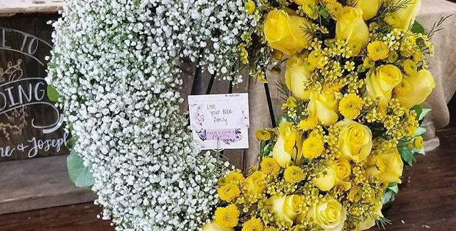 """24"""" Split Heart Sympathy Wreath"""