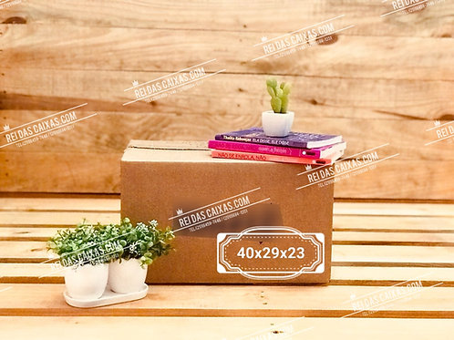 Caixa de papelão seminova pequena / parede simples 📏40compx29largx23alt