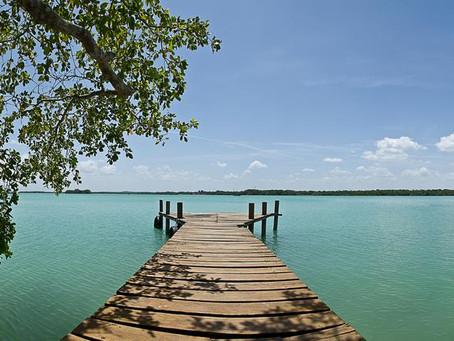 Turistas se pierden y llegan a un pequeño paraíso.