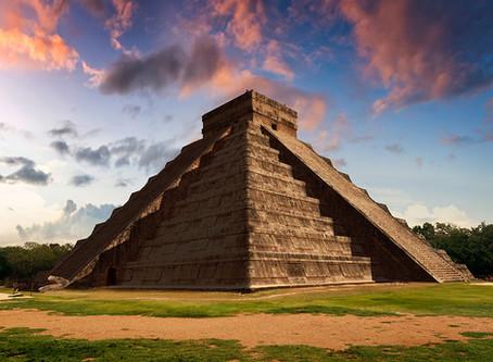 Aplaude en Chichén Itzá y escucharás el sonido de un quetzal