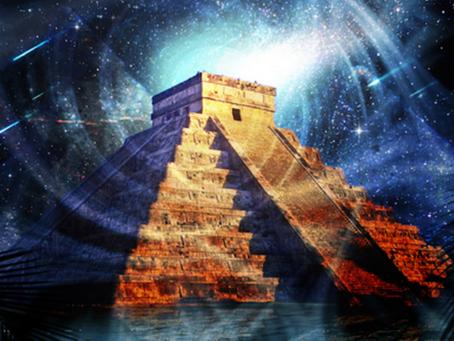 El panteón de los Dioses Mayas.