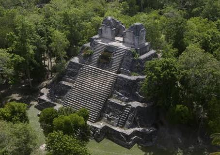 Dzibanché un lugar guardado del tiempo dentro de la selva Maya.