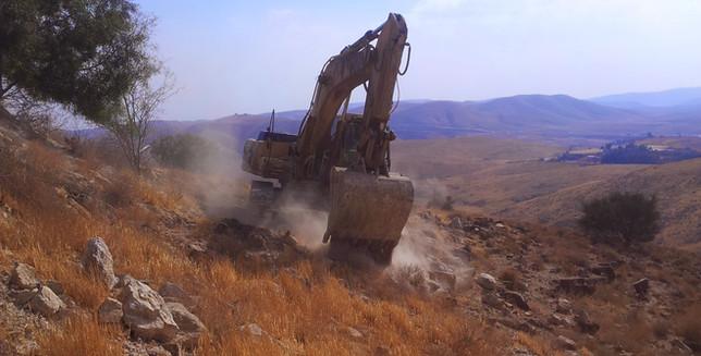 עבודות עפר כפר אדומים