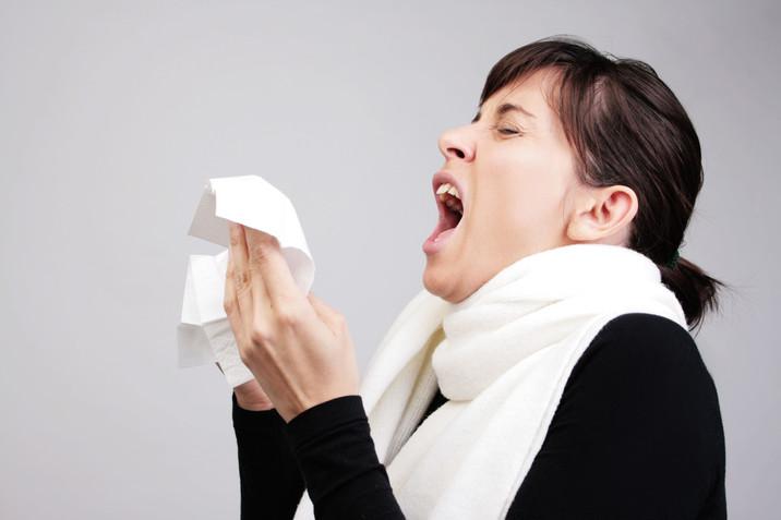 ¿Por qué decimos «salud» después de un estornudo?